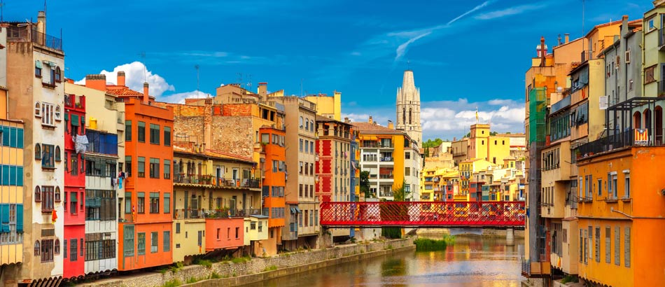 Bunte Häuser in Girona